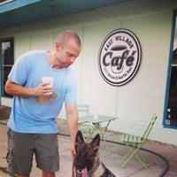 รูปภาพถ่ายที่ East Village Café โดย Will S. เมื่อ 6/19/2013