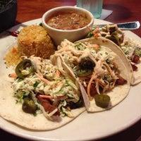 Foto tomada en La Parrilla Mexican Restaurant por Yvonne el 6/27/2013