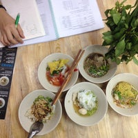 Photo taken at The little & The giant boat noodle by Kaikaew P. on 10/27/2014