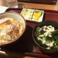 Foto tomada en 手打ちうどん ごんべえ por Issei I. el 9/28/2012