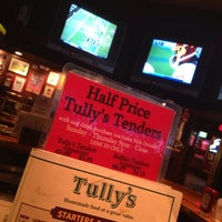 Photo taken at Tully's Good Times by BillySnaps .. on 10/27/2013