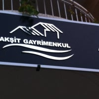Photo taken at Akşit Gayrimenkul by Murat Can A. on 10/30/2014