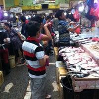 Photo taken at Pasar Klandasan by derryanata on 3/2/2013