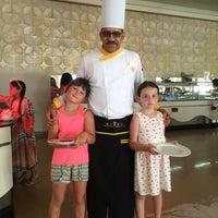 8/14/2016 tarihinde Ira T.ziyaretçi tarafından Rixos Sharm El  Sheikh Zodiac Restaurant'de çekilen fotoğraf