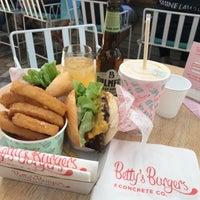 Das Foto wurde bei Betty's Burgers von Maria C. am 8/24/2018 aufgenommen