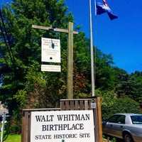 Photo taken at Walt Whitman Birthplace by Raúl M. I. on 8/5/2015