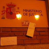 Foto tomada en Ministerio de Justicia por Sergio el 2/2/2013