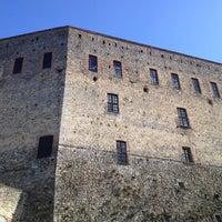 Foto diambil di Castello di Zavattarello oleh Carlo D. pada 4/13/2013