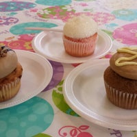 Photo taken at Main Street Cupcakes by Krissy C. on 3/29/2014