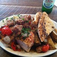 Das Foto wurde bei Gio's Chicken Amalfitano von Phillip G. am 7/30/2013 aufgenommen