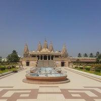 Photo taken at Swaminaryan Mandir by Viraj K. on 4/2/2014