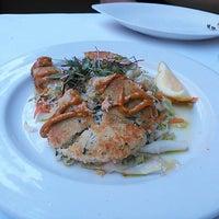 Photo taken at Scott's Seafood by Satoshi K. on 5/16/2013