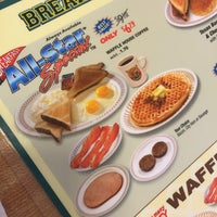 Photo taken at Waffle House by Shaunna M. on 3/22/2015