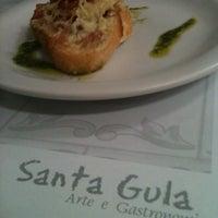 Foto tirada no(a) Santa Gula por Ana V. em 12/16/2012