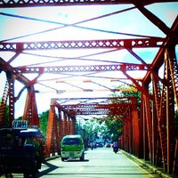 Photo taken at Quezon Bridge by Maria Janel V. on 11/28/2014