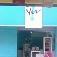 Photo taken at Yes Cosmetcs by [beta] Kekynha S. on 3/13/2014