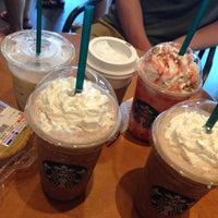 Photo taken at 星巴克 Starbucks by Even L. on 7/27/2014
