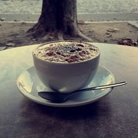 Das Foto wurde bei Meyerbeer Coffee von Abdullah A. am 10/19/2014 aufgenommen