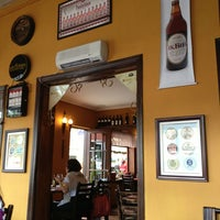 รูปภาพถ่ายที่ Rostie Restaurant โดย Pedro W. เมื่อ 1/13/2013