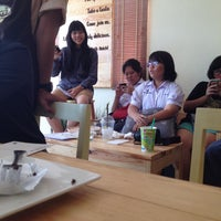 Photo taken at b-made coffee&bakery by Kimkhae on 3/9/2015
