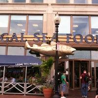 Photo prise au Legal Sea Foods par Ashley H. le7/22/2013
