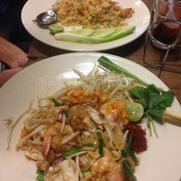 Photo taken at ส้มตำออกรส by Rucky Q. on 4/18/2015