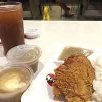 Photo taken at KFC by Nikkie L. on 7/12/2016