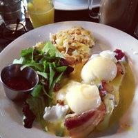 Foto tirada no(a) Griffintown Café por Jeremy D. em 12/23/2012