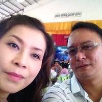 Photo taken at หอประชุม รร ท่าใหม่พลูสวัสดิ์ราษฎร์นุกูล by Jakkra P. on 1/25/2014