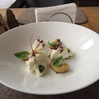 Снимок сделан в Mushrooms пользователем Restaurant J. 4/27/2016