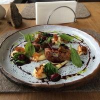 Foto tirada no(a) Mushrooms por Restaurant J. em 4/27/2016