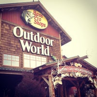 Photo taken at Bass Pro Shops Outdoor World by Eric C. on 2/2/2013