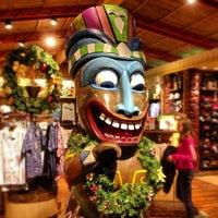 Photo taken at Disney's Polynesian Village Resort by Eric C. on 12/27/2012