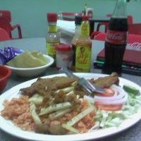 Photo taken at Mariscos Chacaltianguis by Ciro Q. on 5/17/2014