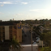 Photo taken at Country Inn & Suites By Carlson, Orlando, FL by Tiago M. on 3/15/2012