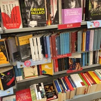 Photo taken at libreria mondadori by Mary O. on 5/12/2015