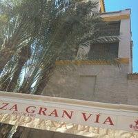 Foto tomada en Cafe Bar Gran Via por Dan A. el 12/27/2012