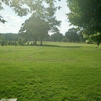 Das Foto wurde bei Atlanta BeltLine Trailhead @ Bobby Jones Golf Course von Jeff B. am 6/5/2015 aufgenommen
