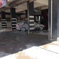 Photo taken at cadde oto park oto yıkama by Bahattin E. on 7/2/2014