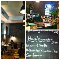 Das Foto wurde bei Cafe Menta von Angelika K. am 7/14/2013 aufgenommen