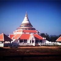 Photo taken at วัดถาวรวราราม (วัดญวน) Wat Thavornwararam by MonPatsorN on 12/8/2012