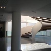 Foto tirada no(a) Museu de Arte do Rio (MAR) por Beth S. em 4/21/2013