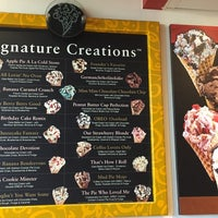 Photo taken at Cold Stone Creamery by venus s. on 8/26/2015