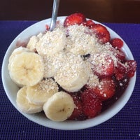 Photo taken at Açaí Frooty by Giuliano G. on 3/16/2016