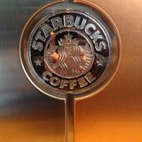 Foto tirada no(a) Starbucks por Sebastian A. em 7/17/2015