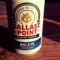 Das Foto wurde bei Tower Tap House von Lover of Beer am 8/4/2014 aufgenommen