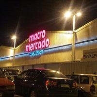 Foto tomada en Macro Mercado por Cristian N. el 4/1/2013