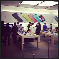 Photo taken at Apple Union Square by Jeff L. on 6/10/2013