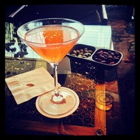 Foto scattata a Mandarin Bar da Jeff L. il 6/16/2013