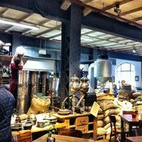 Das Foto wurde bei Kaffeerösterei Speicherstadt von Alena A. am 2/7/2013 aufgenommen